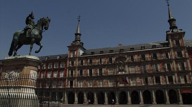 Casa de la Panaderia. ¿Cuales son las Edificaciones más Antiguas de Madrid?
