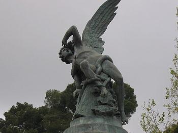 la estatua de satanás